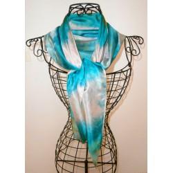 Foulard mousseline de soie bleu lagon